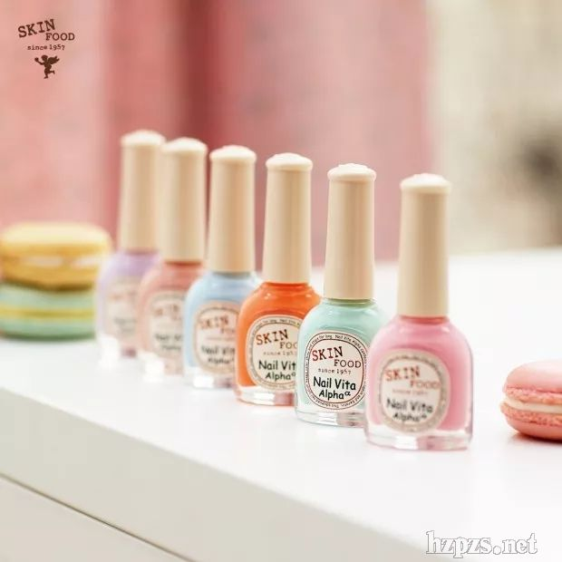 让指甲染上春季的甜美和暖暖